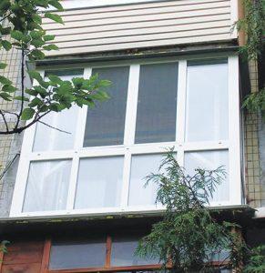Балкон с оконным переплётом